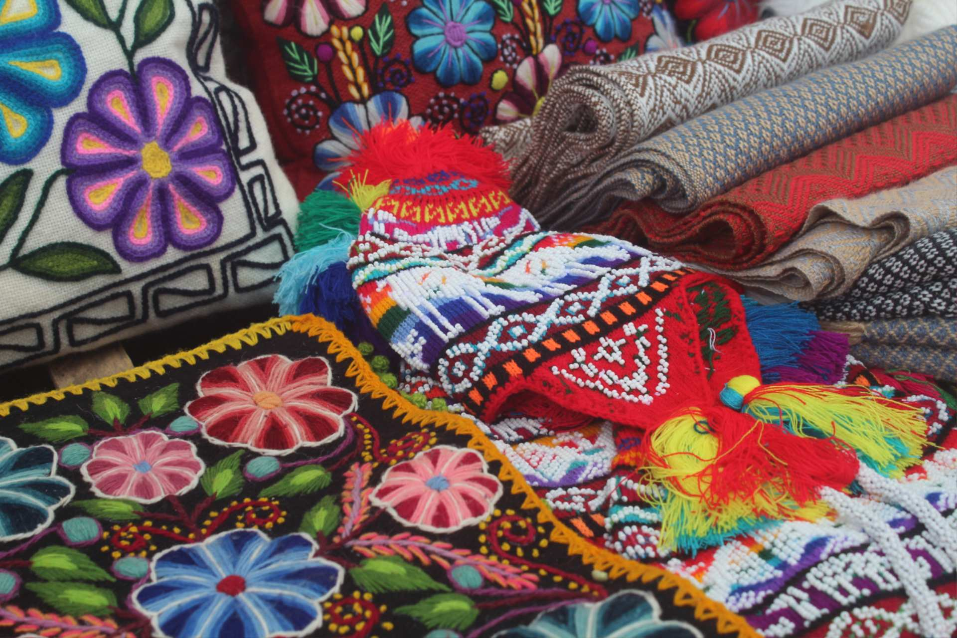 Handcrafted woven textiles of Andean Peru http://infromtheoutpost.com