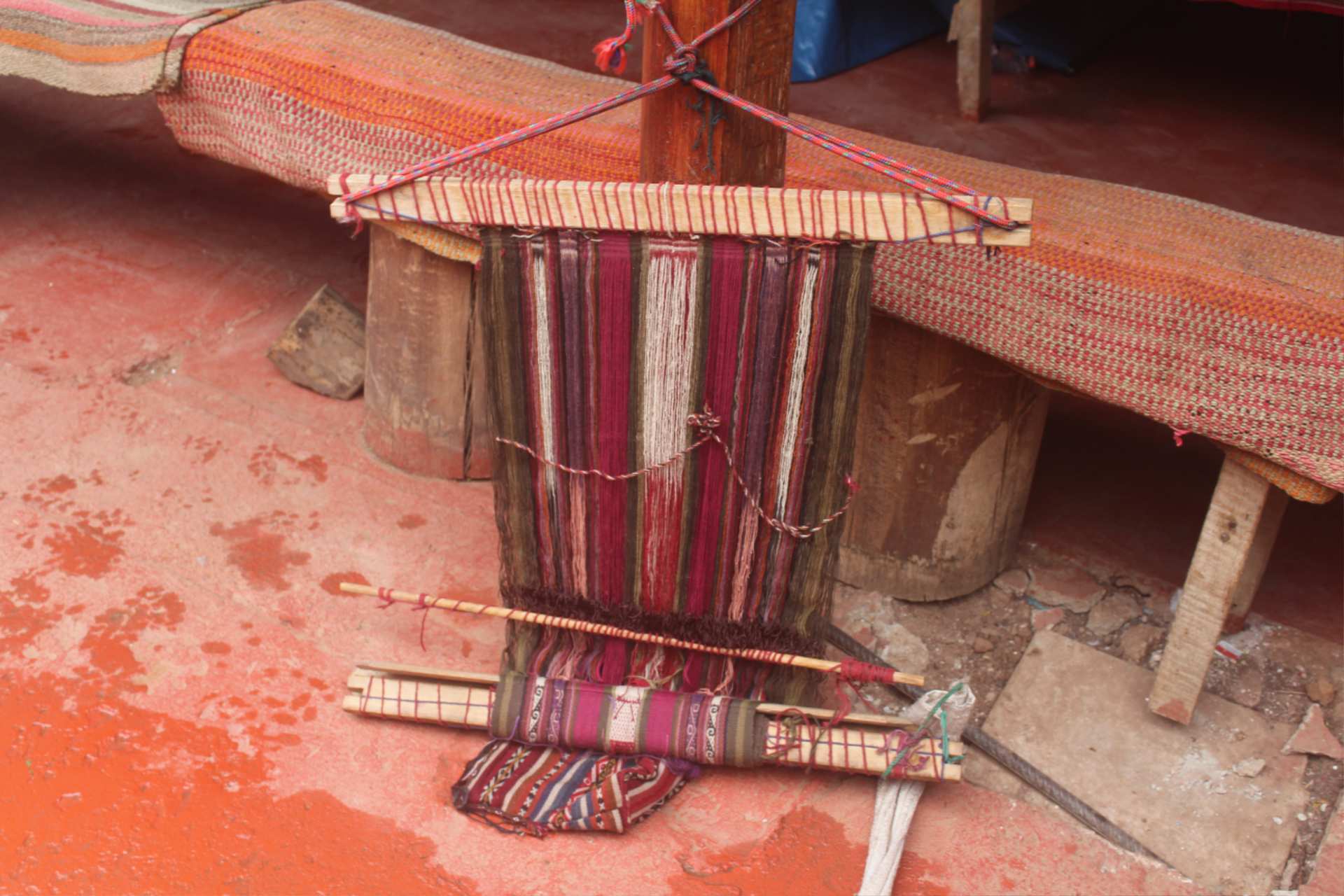 http://infromtheoutpost.com Traditional Andean handcrafted weaving loom: simple but productive